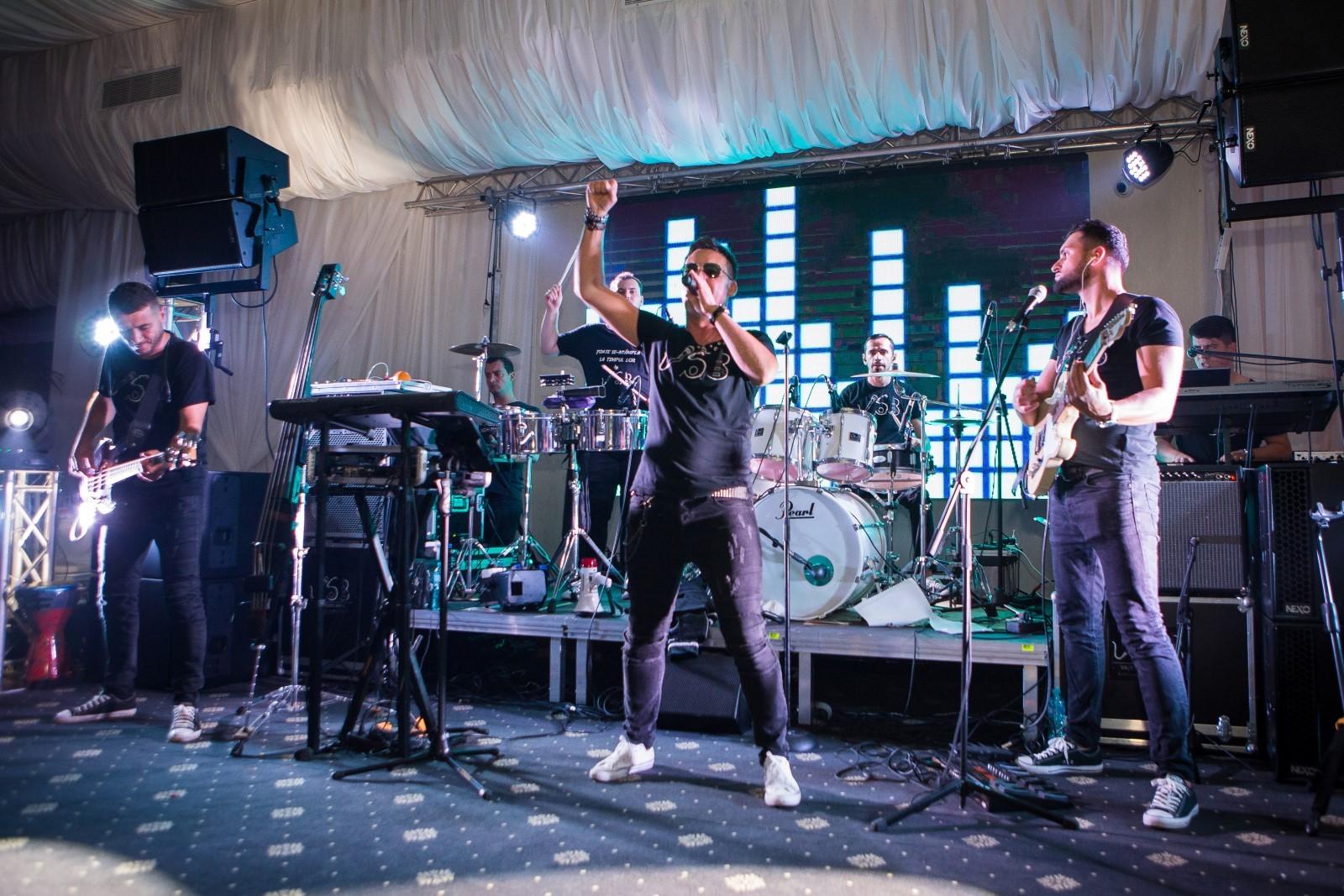 Muzică live în pub – Super Hits