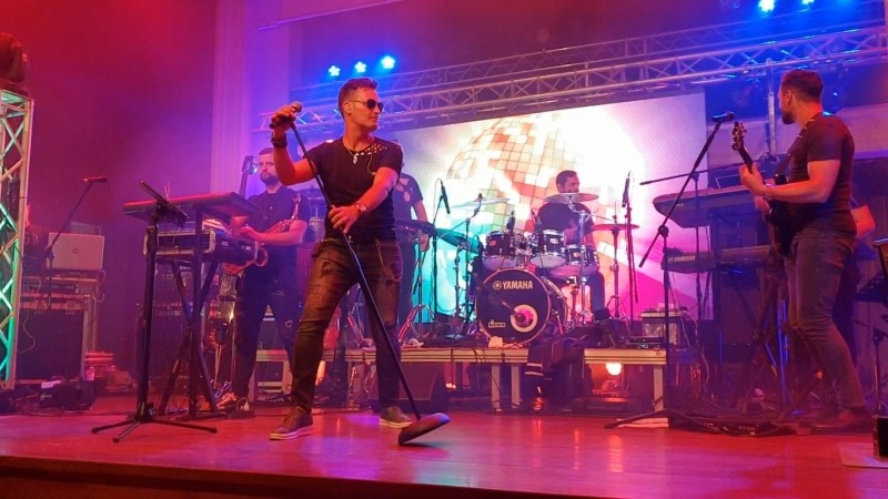 Valy Stoleru Band Cover Live (Le Chateau, Bucuresti)